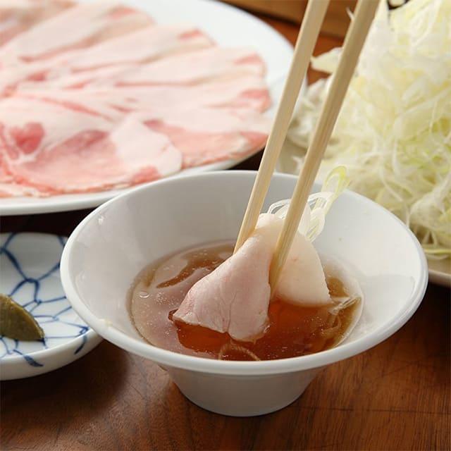〆の蕎麦まで楽しめる黒豚しゃぶしゃぶランチ〈全3品〉